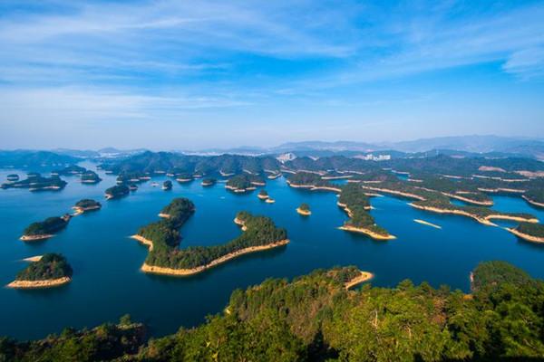 Thousand-Island Lake.jpg