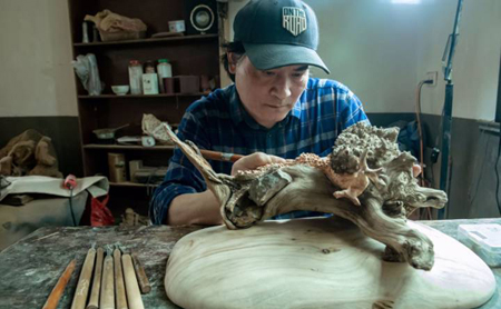 Carving out a dream life with two skillful hands