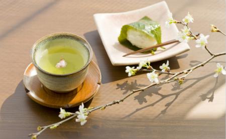 Tea-leaf frying heats up among young people